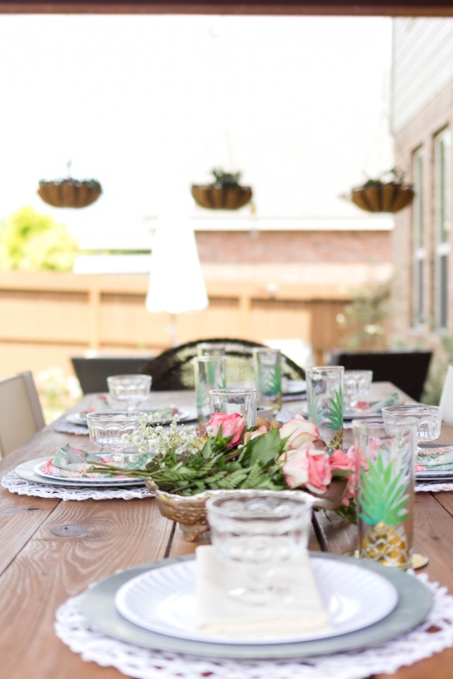 Outdoor Entertaining Tablescape