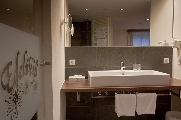 Schönes Bad Mit Dusche