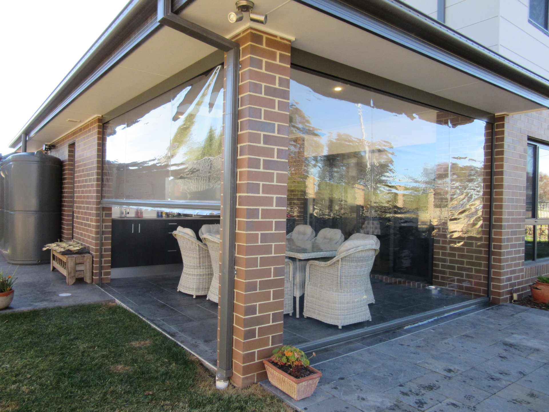 Outdoor Blinds Canberra Custom Blinds Queanbeyan Betta Canvas And Shade Solutions