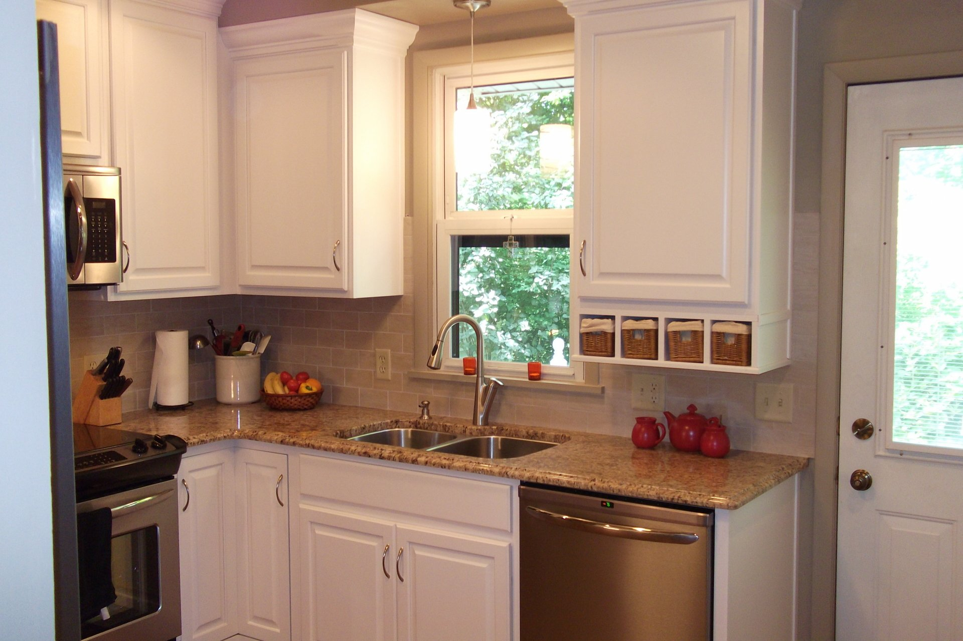 How To Choose A Countertop Color How To Choose A Kitchen Color With A Timeless Color Scheme