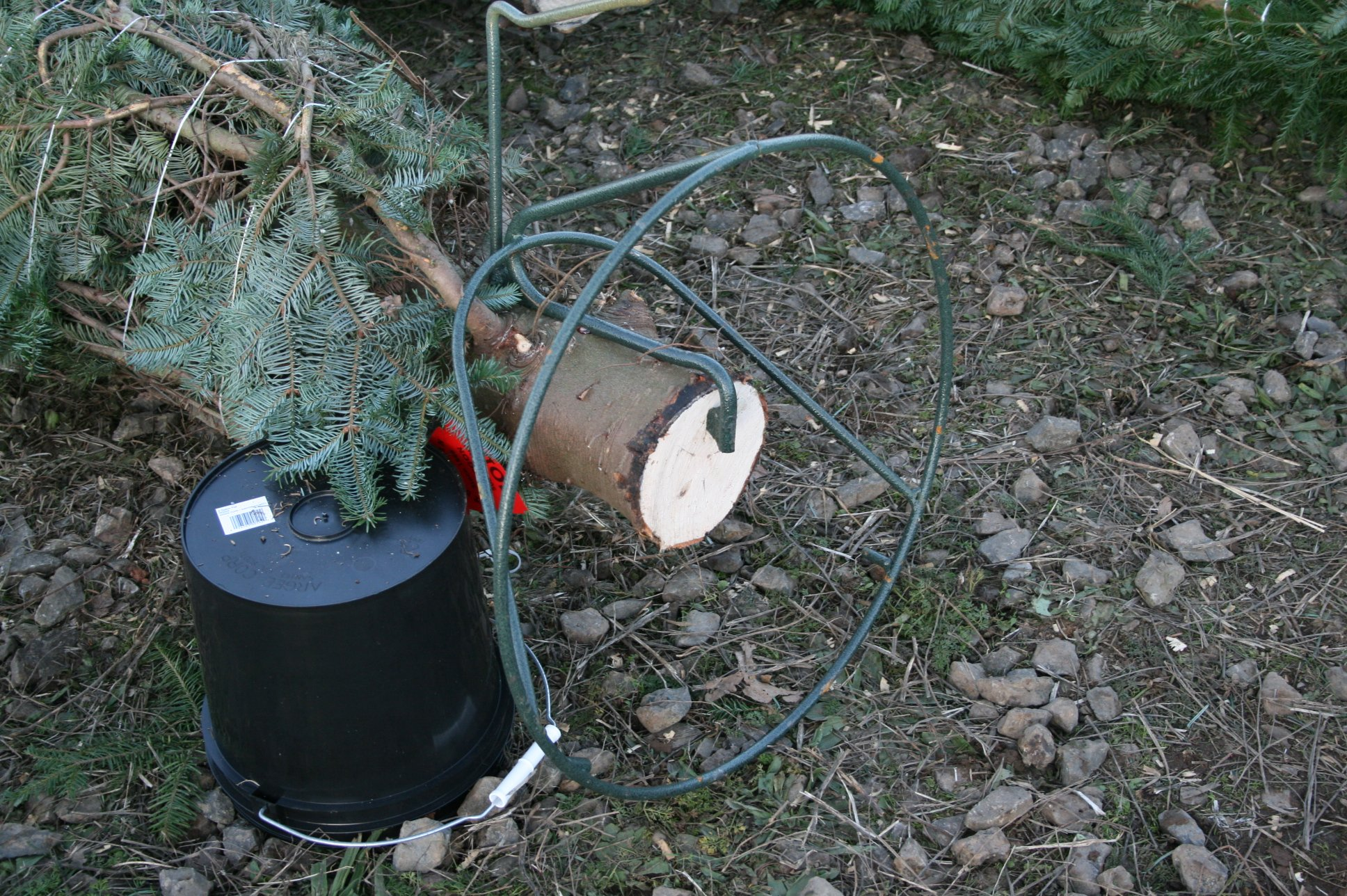 How To Make Your Own Tree Stand U Cut Fresh Christmas Trees Lee Farms In Tualatin Or