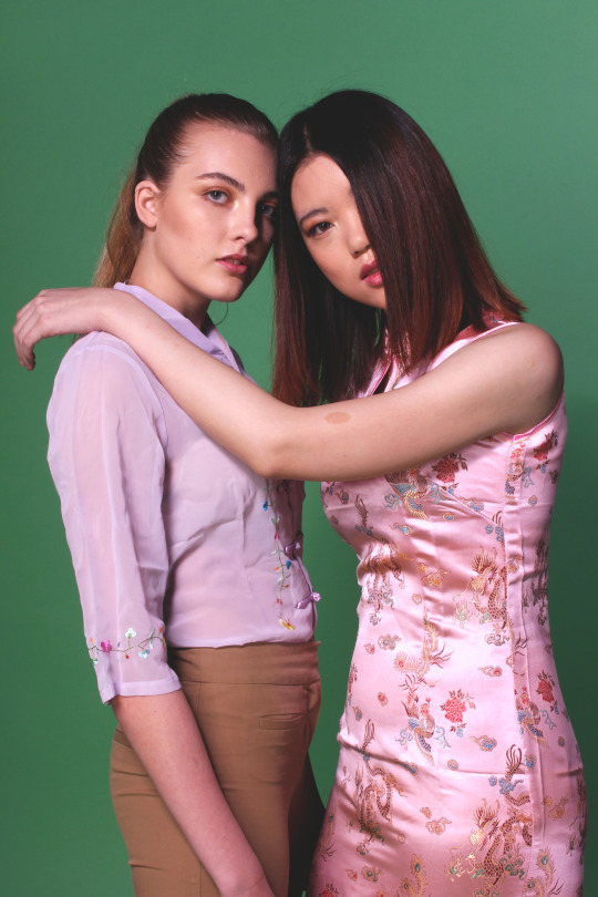 Isi Peters models with Emma Crompton 4