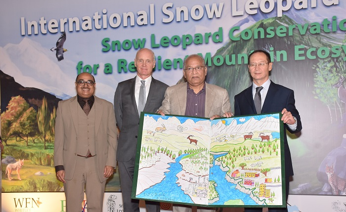 H.E Dr. Tore Nedrebo the Ambassador of Norway, Dr. Ali Nawaz achiever of Whitely Award and Federal Minister for Climate Change Senator Mushahidullah Khan in Islamabad on International Snow Leopard Day