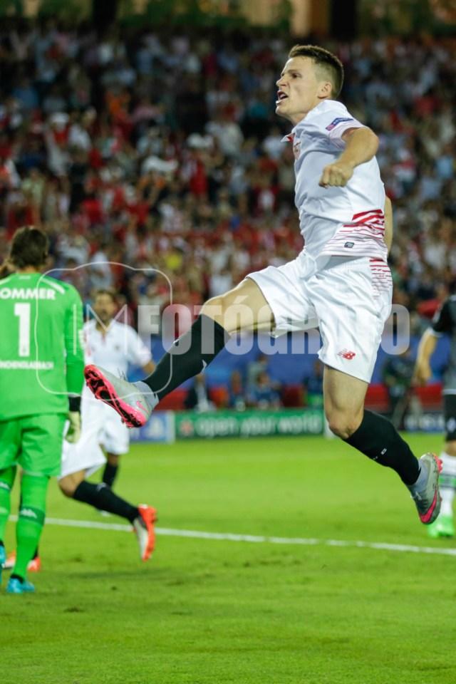 Gameiro celebra el 1-0 de penalti.