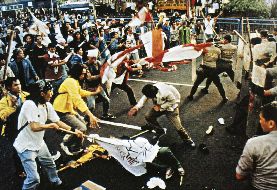 Kasus Kasus Pelanggaran Ham Contoh Kasus Pelanggaran Ham Di Indonesia Dunia Kasus Pelanggaran Ham Trisakti Ismaya Dwi Agustina