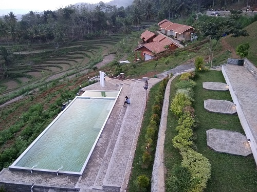 kolam renang batoer hill