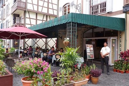 restoran di french village