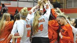 ISU volleyball team huddle