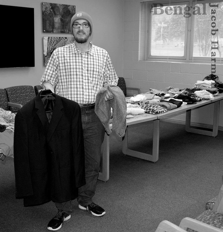 Job Hunters participating in Paralegal Student Association's professional clothing drive