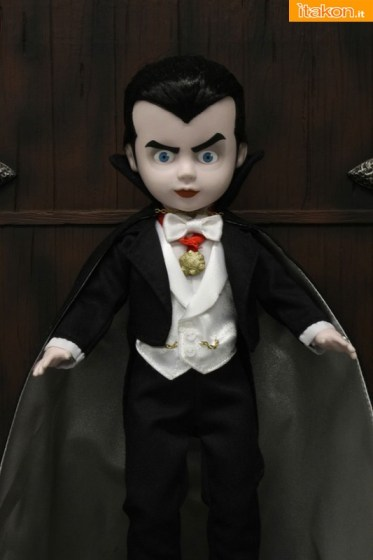 Living_Dead_Dracula_02__scaled_600