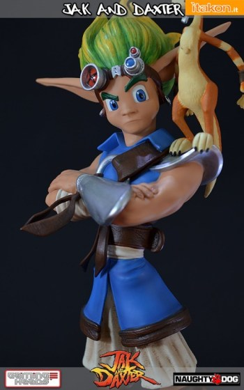 Jak and Daxter statue (9)