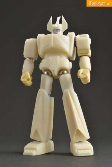 Dynamite Action Danguard Ace di Evolution Toy - Anteprima