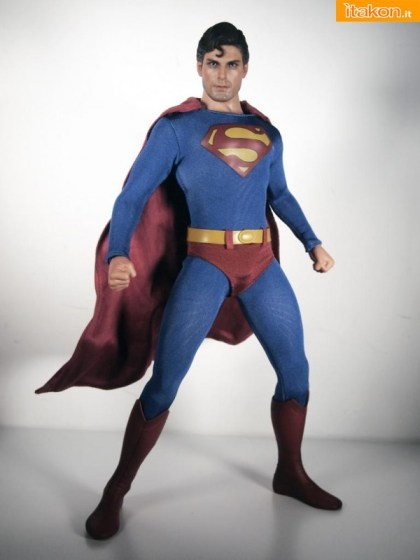 Superman  Evil Version 16 di Hot Toys (5)