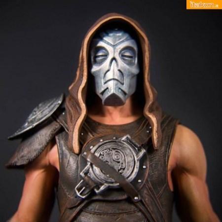 Dragon Priest Mask Variant di Gaming Heads (8)
