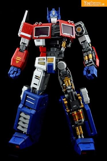 Ultimetal UM-01 Optimus Prime (9)
