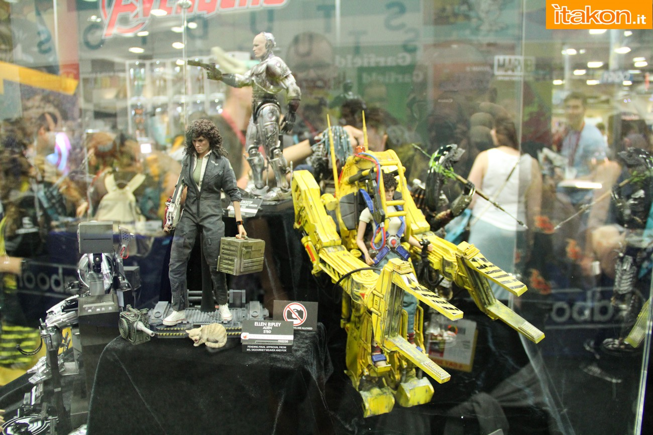 ALIENS - POWER LOADER ELLEN RIPLEY (MMS ???) Sdcc2014-hot-toys-booth-45