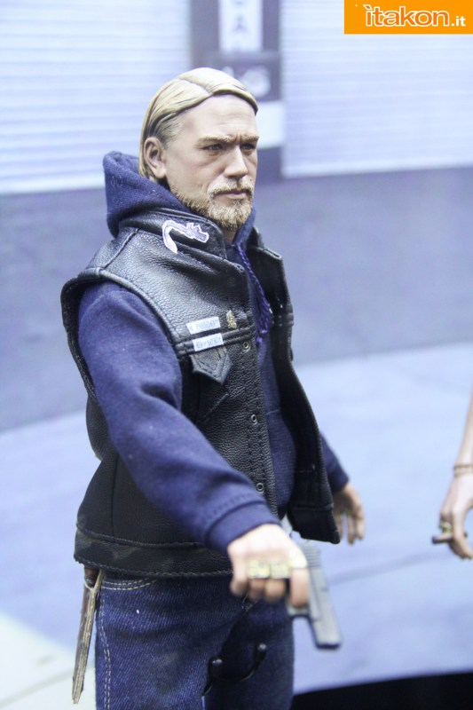 [Pop Culture Shock] Sons of Anarchy: Jax Teller - 1/6 scale Sdcc2014-pop-culture-shock-booth-21