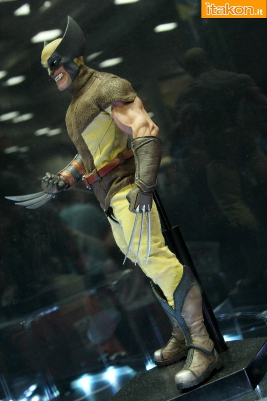 [Sideshow] Marvel Sixth Scale Collection - Wolverine - Página 2 Wolverine-e-Deadpool18