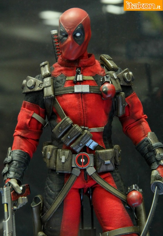 [Sideshow] Marvel Sixth Scale Collection - Deadpool - Página 2 Wolverine-e-Deadpool31