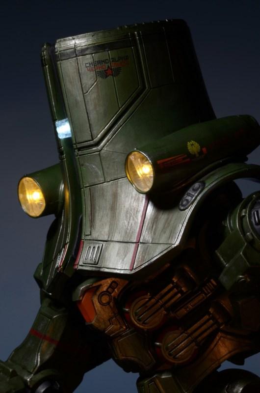 [NECA][Tópico Oficial] Pacific Rim: Jaegers Series 6 - Página 5 Pacific-Rim-18-Inch-Cherno-Alpha-013