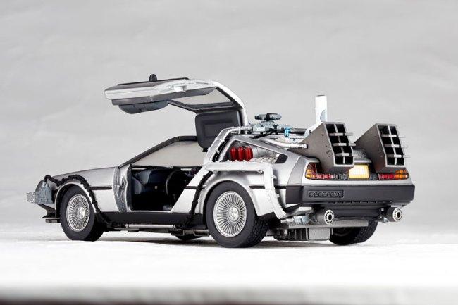 DeLorean Movie REVO - Back to the Future - Kaiyodo preorder 05