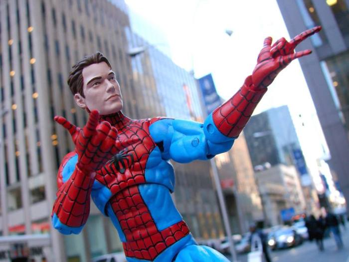 Marvel-Select-Spectacular-Spider-Man-006