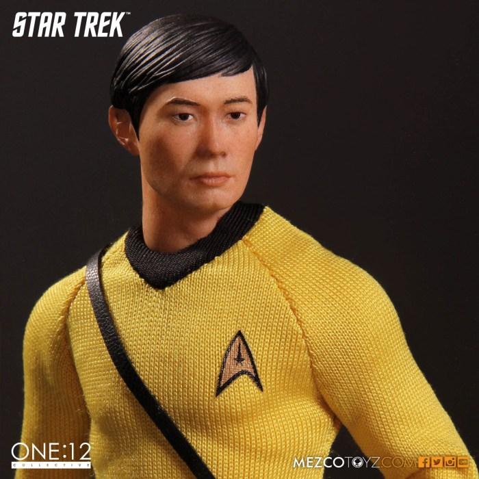 Mezco-One12-Star-Trek-Sulu-004
