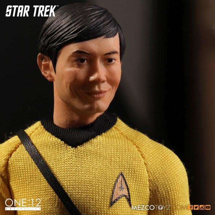 Mezco-One12-Star-Trek-Sulu-005