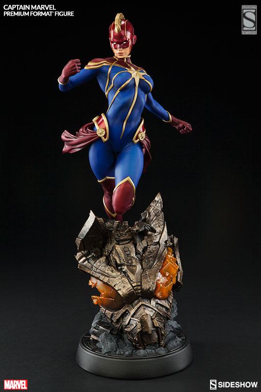 marvel-captain-marvel-premium-format-3004541-02