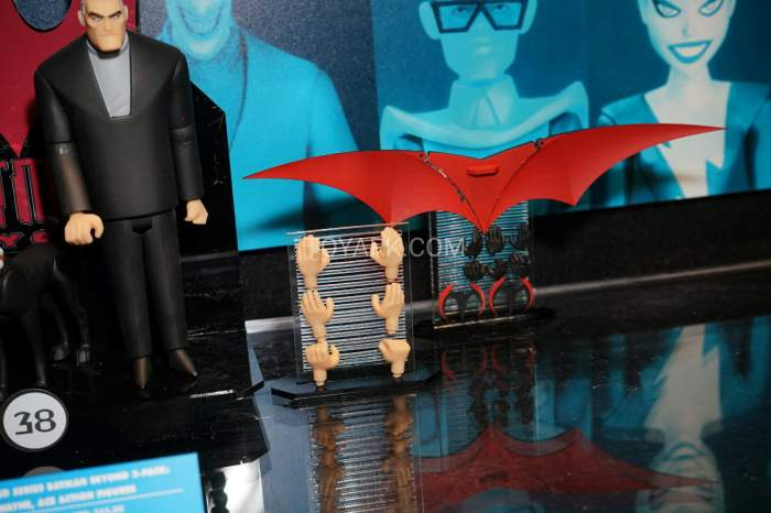 TF-2016-DC-Collectibles-Batman-Animated-027