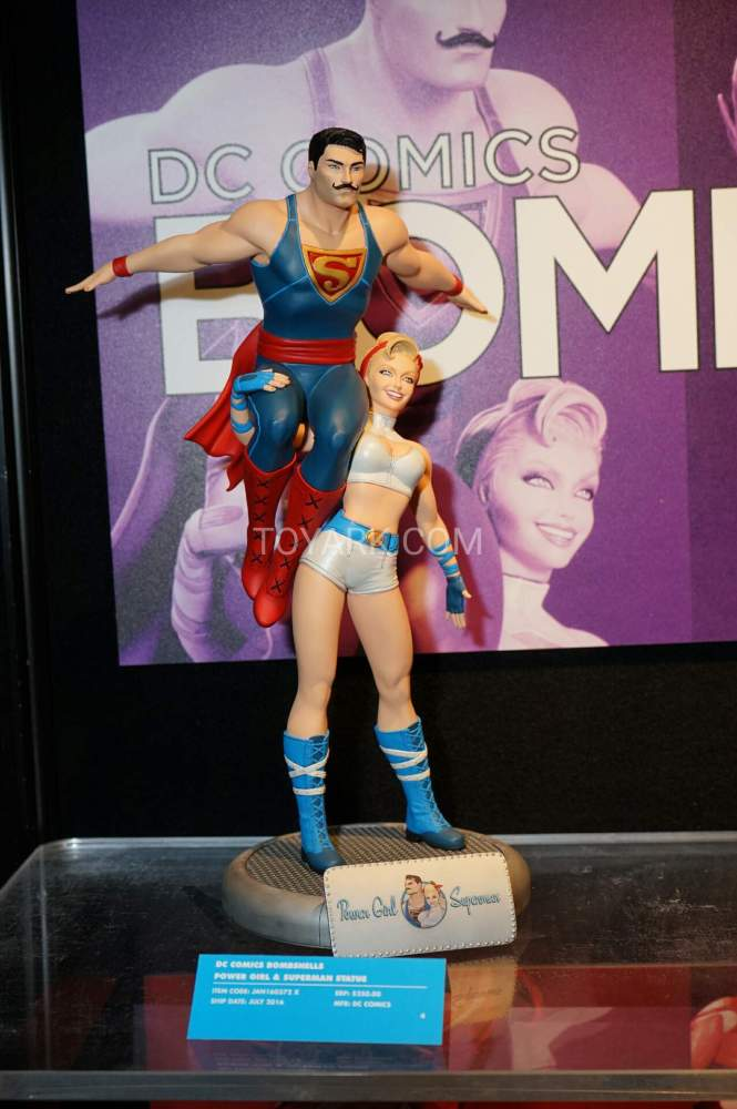 TF-2016-DC-Collectibles-Booth-002