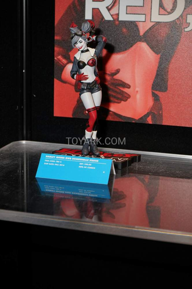 TF-2016-DC-Collectibles-Booth-005