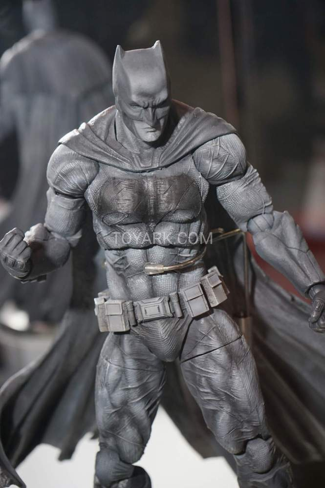 TF-2016-Play-Arts-Kai-DC-006