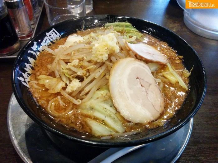 japan-tour-2016-akihabara-53