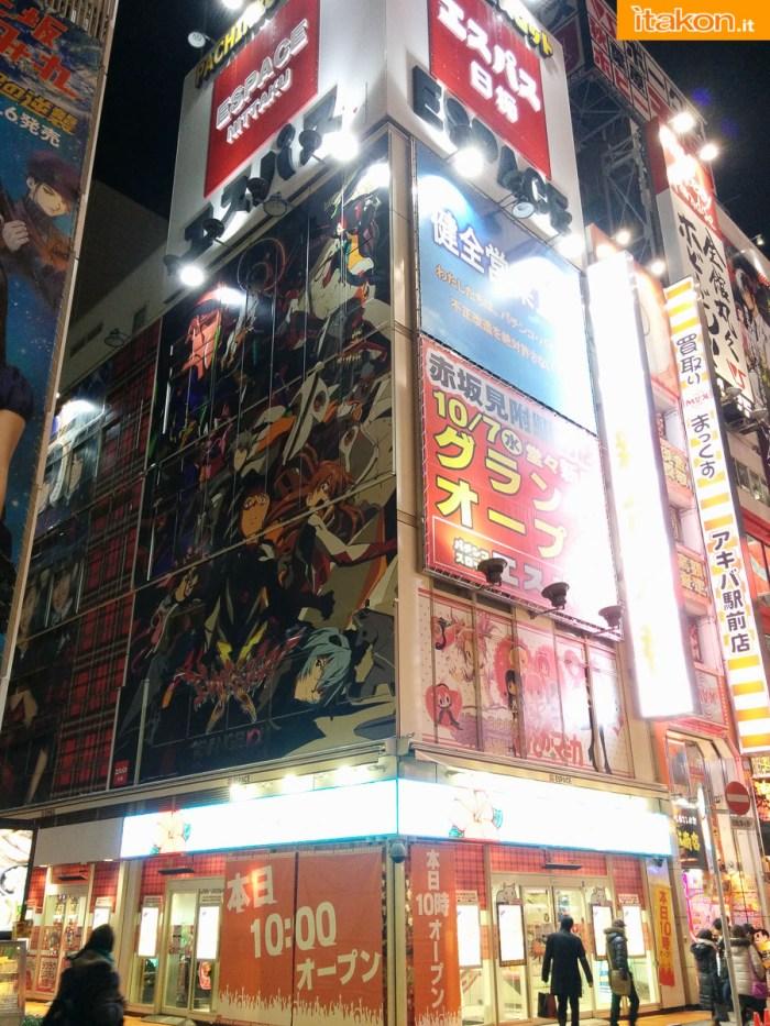 japan-tour-2016-akihabara-56