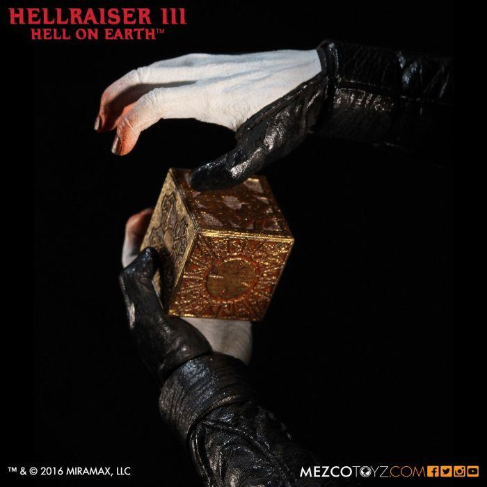 Mezco-Hellraisr-3-Pinhead-003