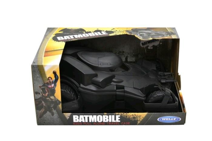 batmobileluggagecase2