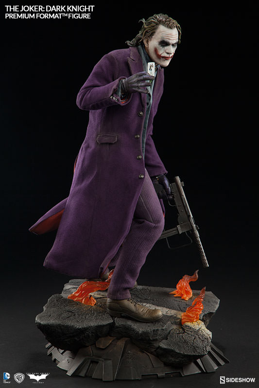 dc-comics-the-joker-the-dark-knight-premium-format-300251-06