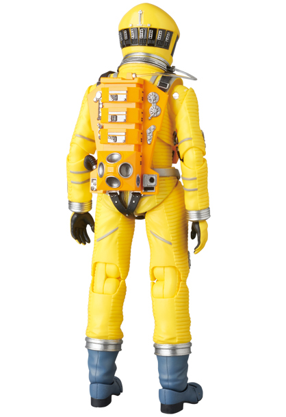 MAFEX-2001-Space-Suit-Yellow-004
