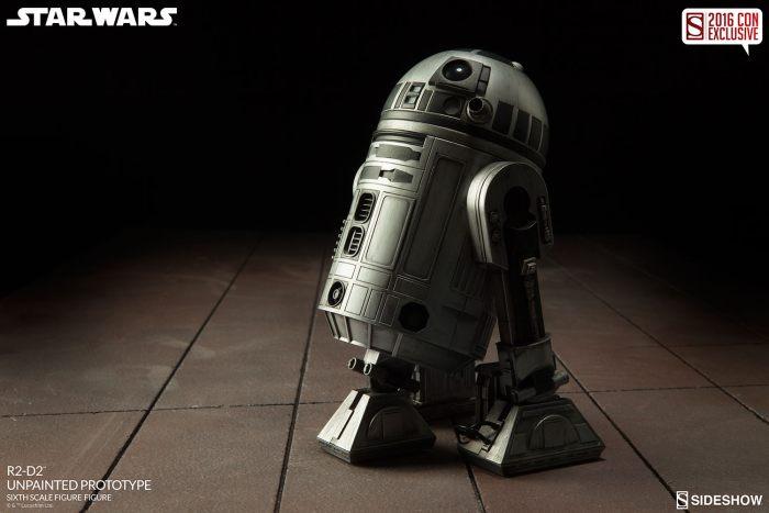 SDCC16-Sideshow-R2-D2-Figure003