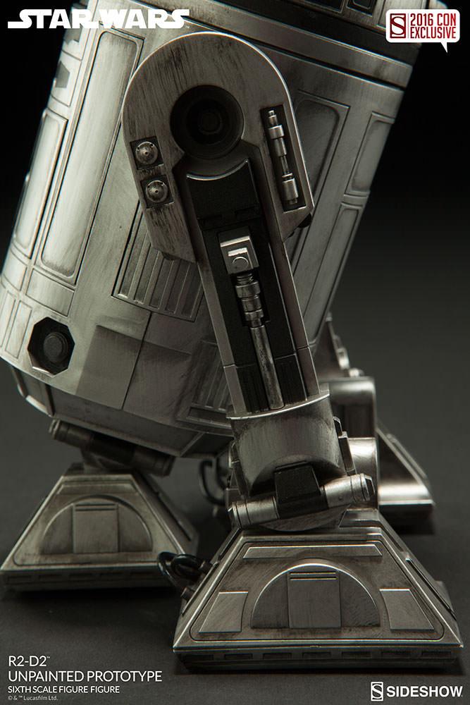 SDCC16-Sideshow-R2-D2-Figure008
