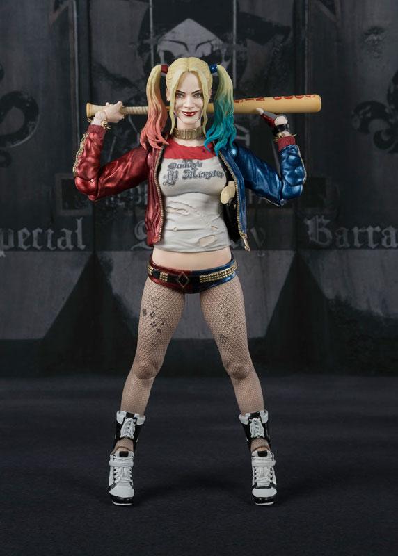 Harley Quinn SH Figuarts Bandai pre 04