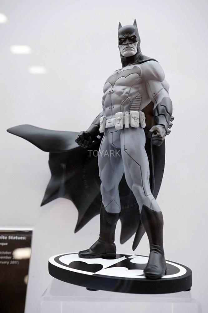 SDCC-2016-DCC-DC-Statues-017