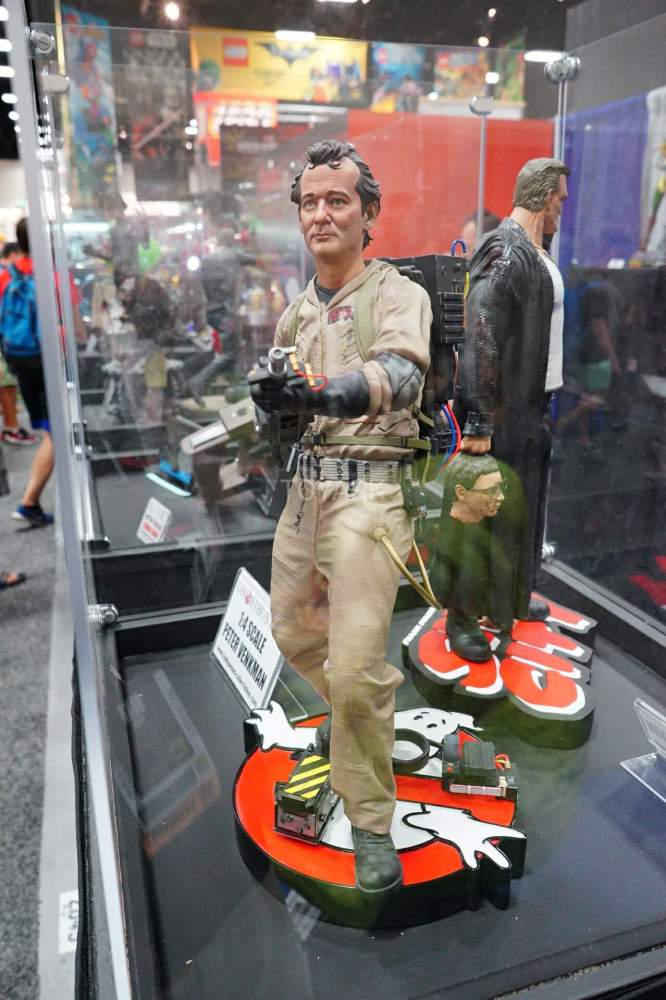 SDCC-2016-Hollywood-Collectibles-Group-017