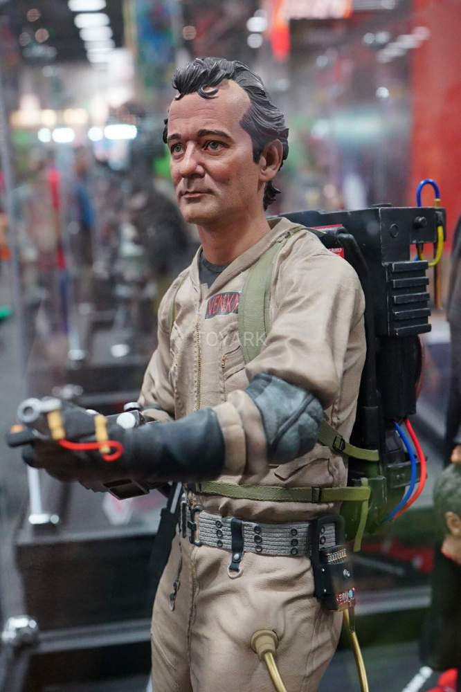 SDCC-2016-Hollywood-Collectibles-Group-018