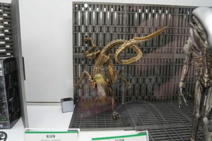 SDCC-2016-Kotobukiya-Display-001