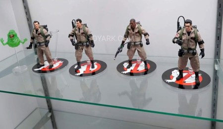 SDCC-2016-Mezco-One12-Ghostbusters-001
