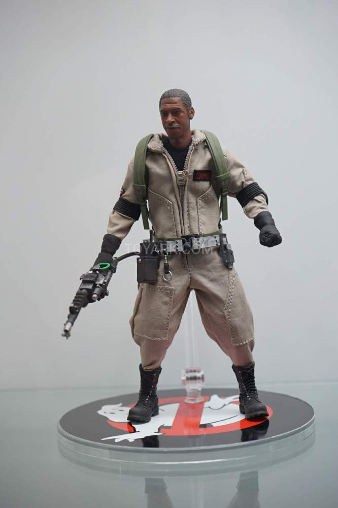 SDCC-2016-Mezco-One12-Ghostbusters-003