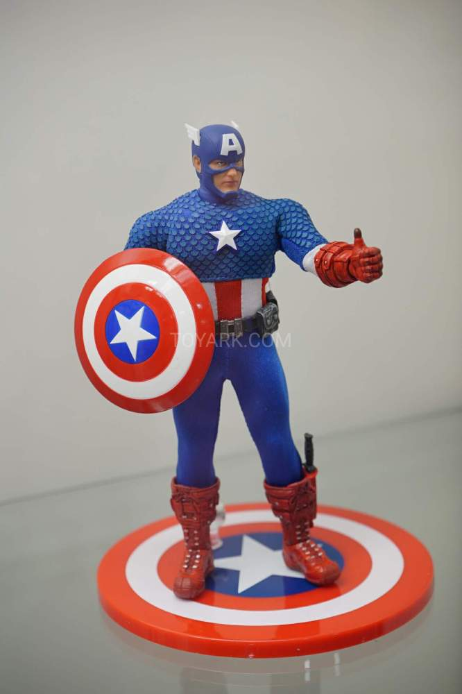 SDCC-2016-Mezco-One12-Marvel-009
