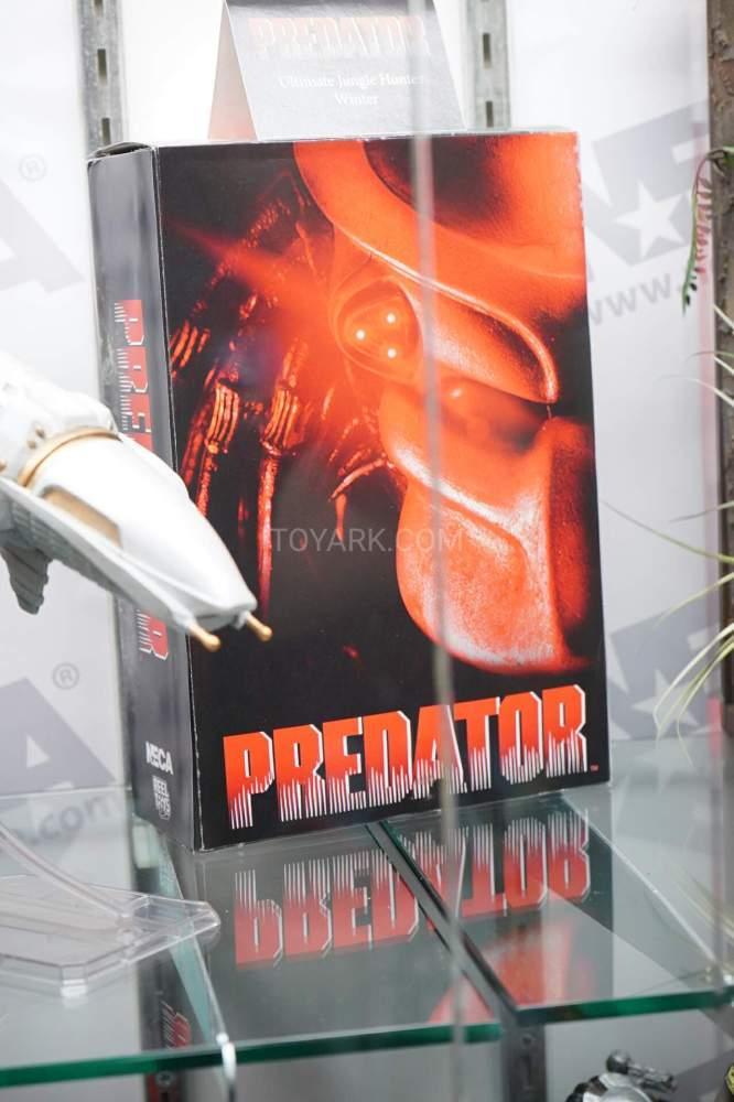 SDCC-2016-NECA-AvP-and-Predators-007